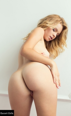 escort girl Natasha Sexy blonde